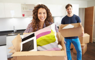 couple trying to find a reliable removalist in Sydney