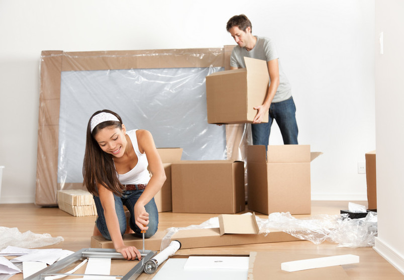 couple hiring removalists in Sydney Olympic Park
